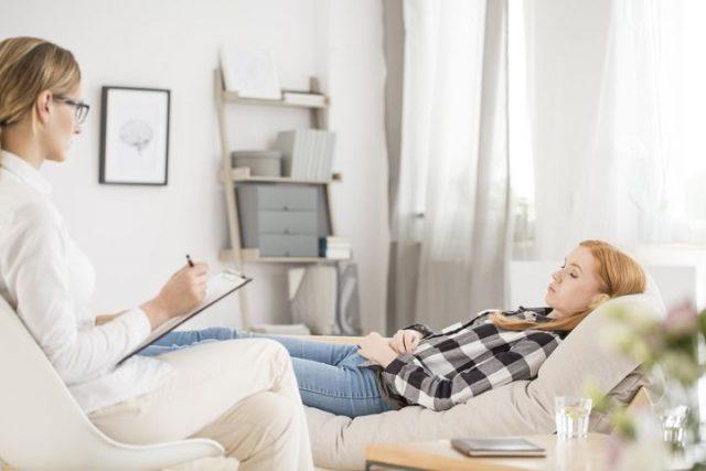 Faire appel à un spécialiste en hypnose : quels avantages?