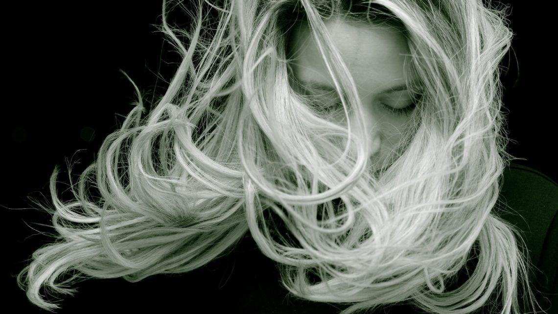 Protégez vos cheveux d'un environnement extérieur agressif