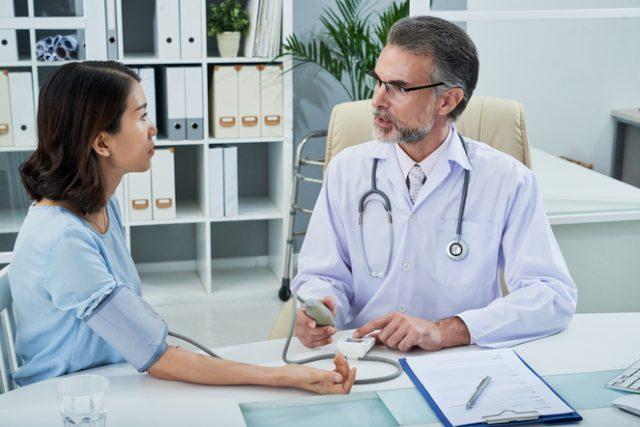 Hypertension artérielle : quels sont les signes avant-coureurs ?